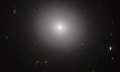 Ελλειπτικοί γαλαξίες - του Γιώργου Νικολιδάκη